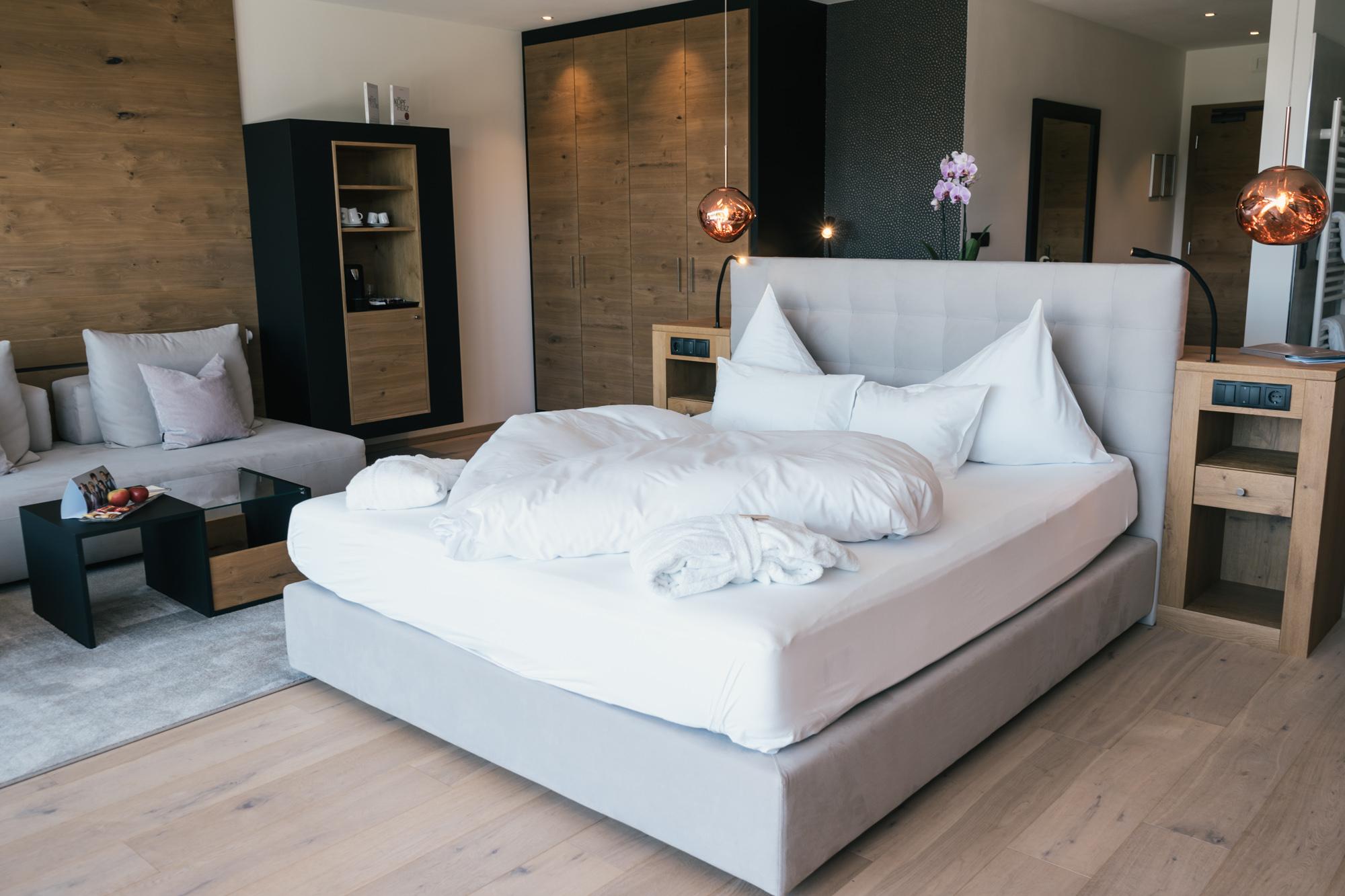 hotel alpen tesitin romantic room